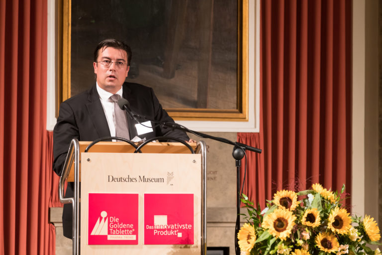 Dr. Christian Rybak, Partner der Anwaltskanzlei Ehlers, Ehlers & Partner