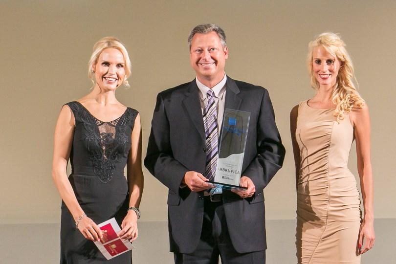 Gerd Czekalla, Direktor Hämatologie und Onkologie Janssen-Cilag, (Mitte) auf der Preisverleihung © Eurecon Verlag / Andreas Schebesta