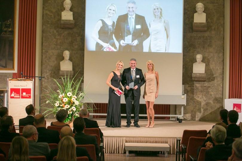 Georg Okroy, Director Sales und Marketing Tecfidera, auf der Preisverleihung © Eurecon Verlag / Andreas Schebesta