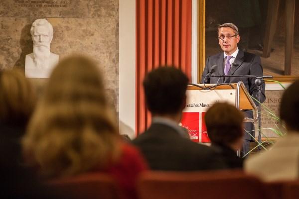 Pharma Trend 2015: Prof. Dr. Renner hält die Festrede