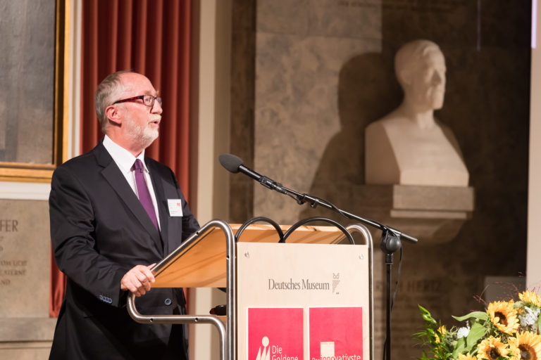 Prof. Dr. Kai Lucks, Vorstand des Bundesverband Mergers & Akquisitions