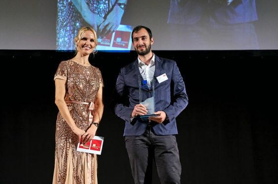 Dr. Allesandro Faragli, CEO BOCAhealth (Rechts) mit Tamara Sedmak (Links), auf der Preisverleihung © Eurecon Verlag / Denis Jung